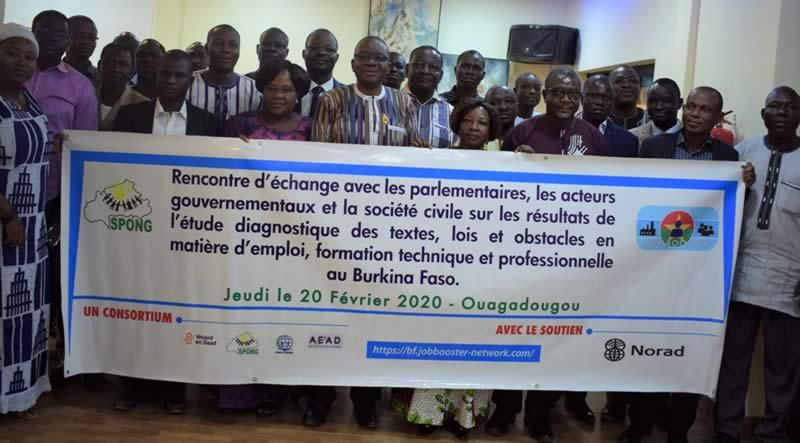Atelier d'échange sur des lois et des barrières à l'emploi décent au Burkina Faso